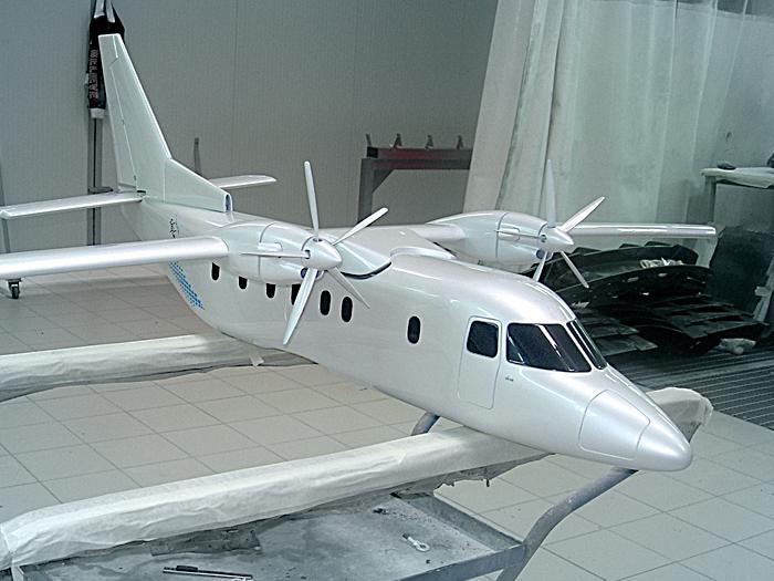 modello di aereo verniciato